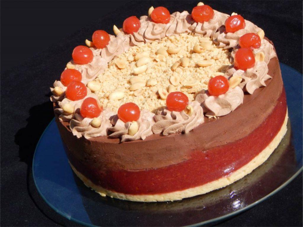 CSOKOLÁDÉ MOUSSE TORTA SZILVAZSELÉVEL, BAKE-FREE PISKÓTÁVAL GLUTÉN-, TEJ- ÉS TOJÁSMENTESEN